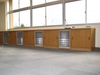 M小学校 収納棚