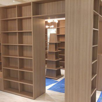 某複合施設内書店1