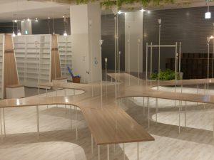 某複合施設内書店2